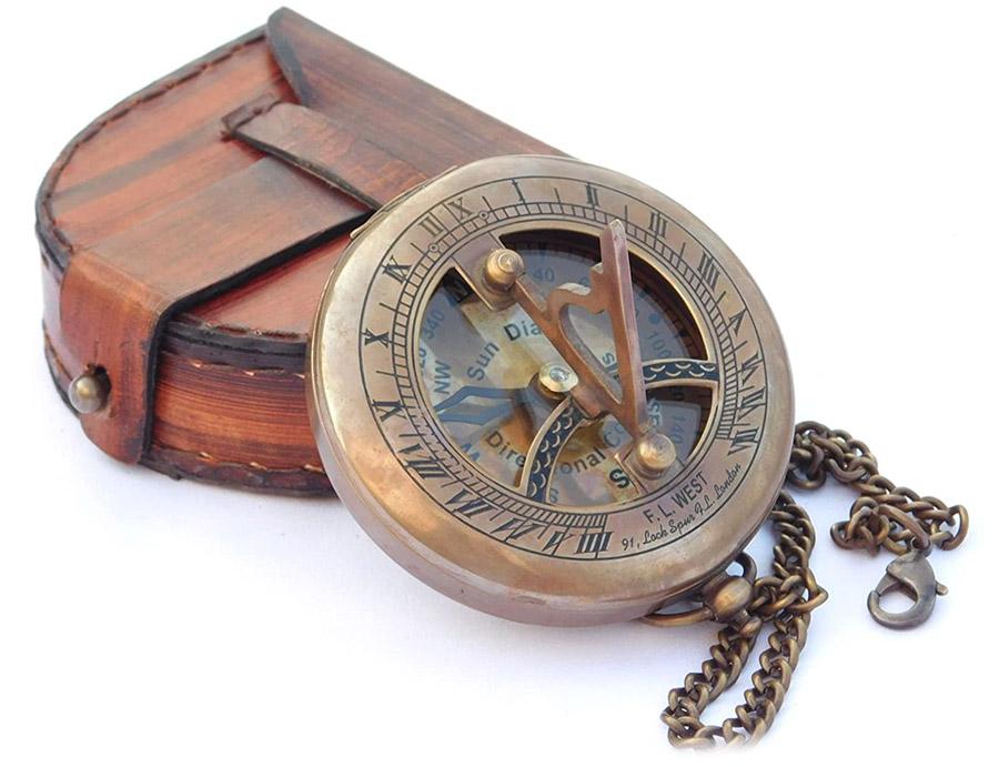 NEOVIVID Cadran solaire en laiton avec boîtier en cuir et chaîne – Boussole à pousser – Accessoire steampunk